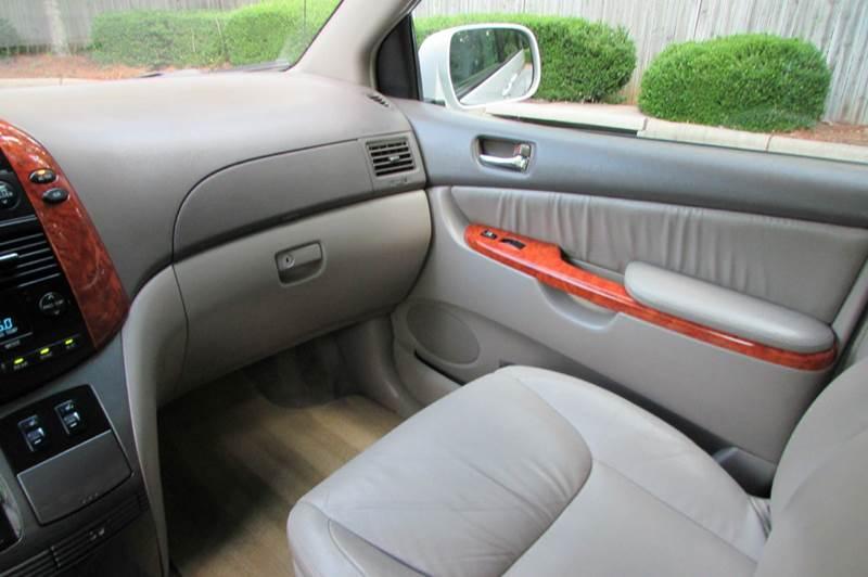2008 Toyota Sienna XLE Limited 4dr Mini-Van - Greensboro NC