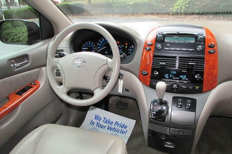 2009 Toyota Sienna XLE 7-Passenger 4dr Mini-Van - Greensboro NC