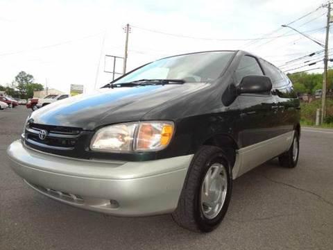 2000 Toyota Sienna for sale in Binghamton, NY