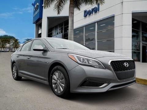 2017 Hyundai Sonata Hybrid for sale in Doral, FL