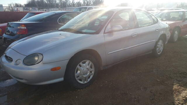 1999 ford taurus se 4dr sedan in sioux falls sd second for Wheel city motors sioux falls sd