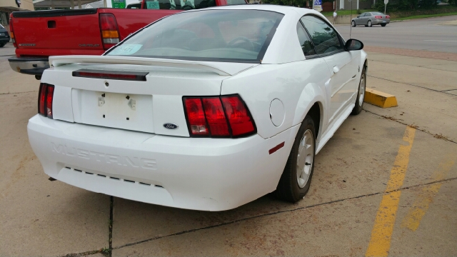 1999 ford mustang base 2dr coupe in sioux falls sd second chance auto. Black Bedroom Furniture Sets. Home Design Ideas
