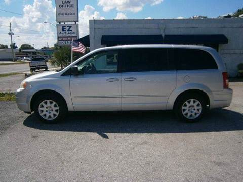 2009 Chrysler Town and Country for sale in Leesburg, FL