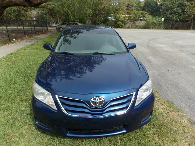 2011 TOYOTA CAMRY blue 100 clean carfax bluetooth cruise control aux amazing mpg reliability