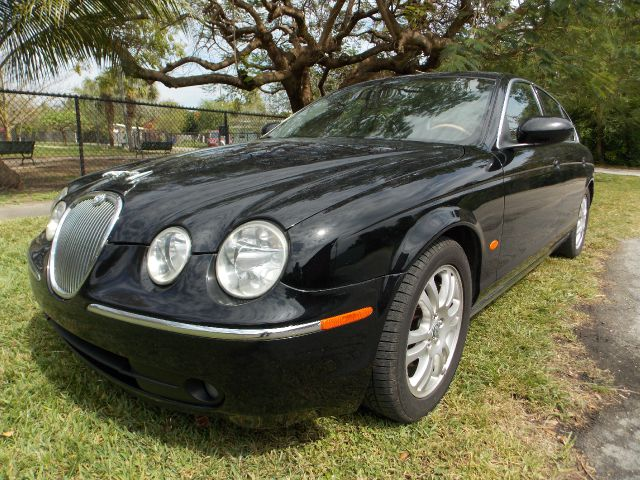 2005 JAGUAR S-TYPE 30 black only 2 previous owners 100 clean carfax leather sunroof dual con