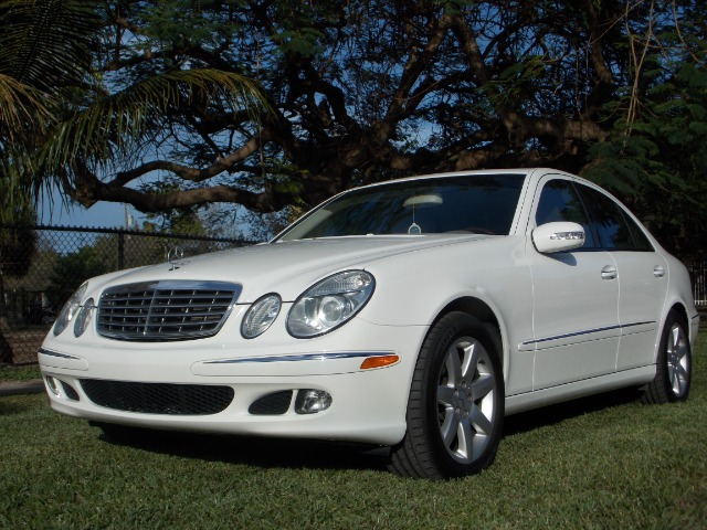 2006 MERCEDES-BENZ E-CLASS E350 white only 2 owners 0 accidents navigation memory seats  d