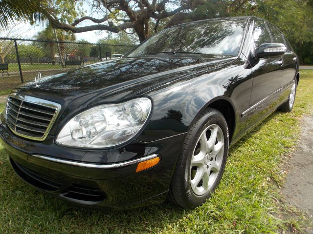 2005 MERCEDES-BENZ S-CLASS S500 black only 1 previous owner 100 clean carfax  navigation memor