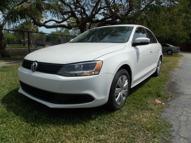 2011 VOLKSWAGEN JETTA SE white 100 clean carfax 1 owner leather low miles amazing mpg as low