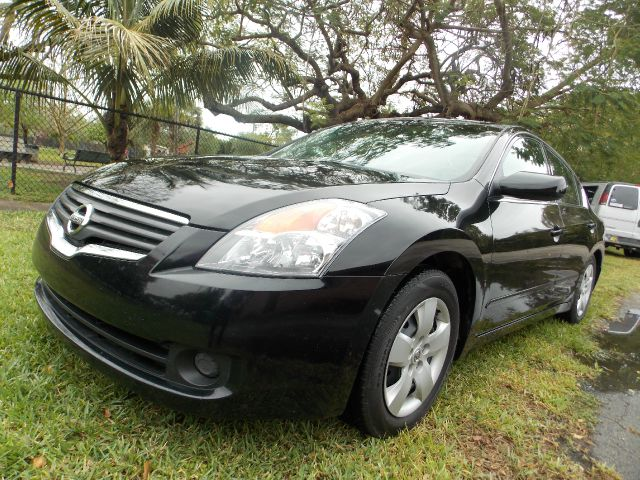 2007 NISSAN ALTIMA 25 S black only 1 owner amazing mpg aux bluetooth reliability of a nissan