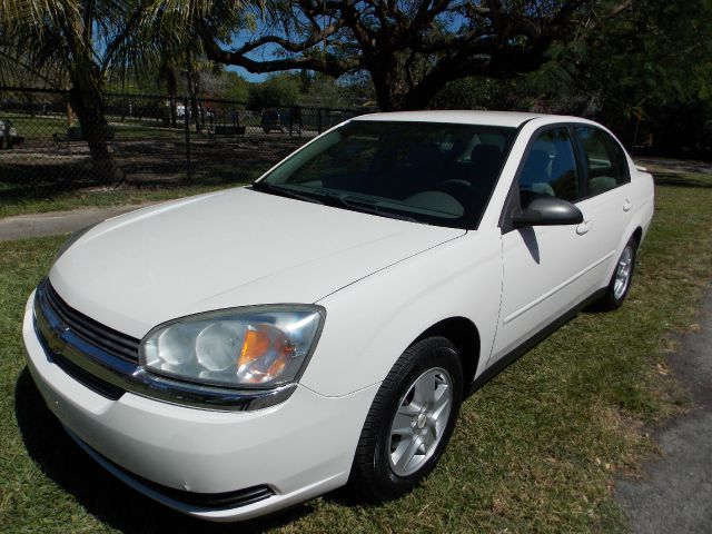 2005 CHEVROLET MALIBU LS white amazing mpg excellent condition inside and out as low as 2000 d