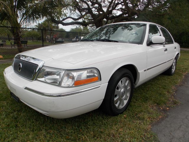 2005 MERCURY GRAND MARQUIS white only 2 previous owners leather sunroof adjustable foot pedal