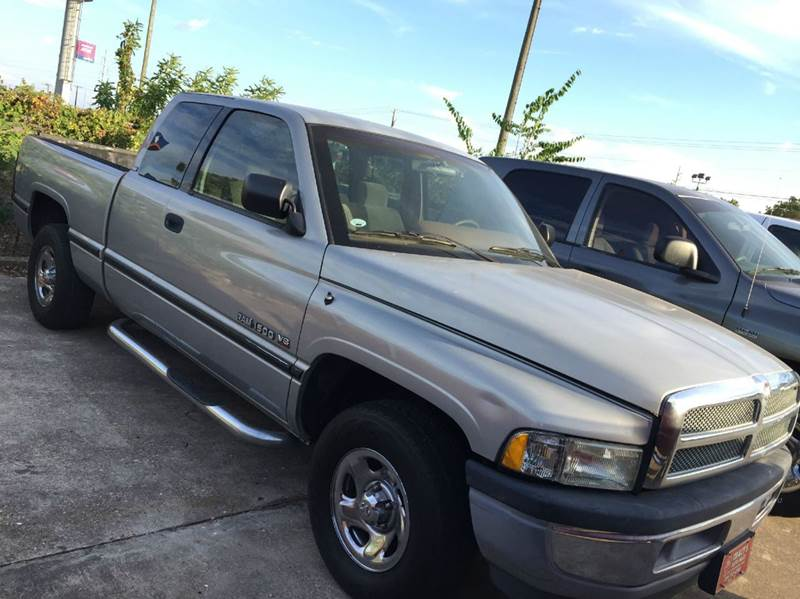 1995 Dodge Ram Pickup 1500 ST Club Cab 6.5-ft. Bed 2WD - Waco TX