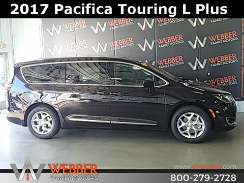 2017 Chrysler Pacifica for sale in Detroit Lakes MN