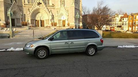 2004 Chrysler Town and Country for sale in Newark, NJ