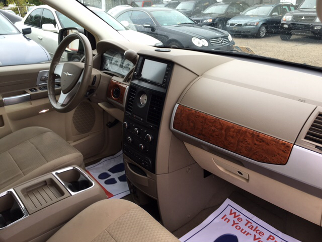 2008 Chrysler Town and Country Touring 4dr Mini-Van - Richmond VA