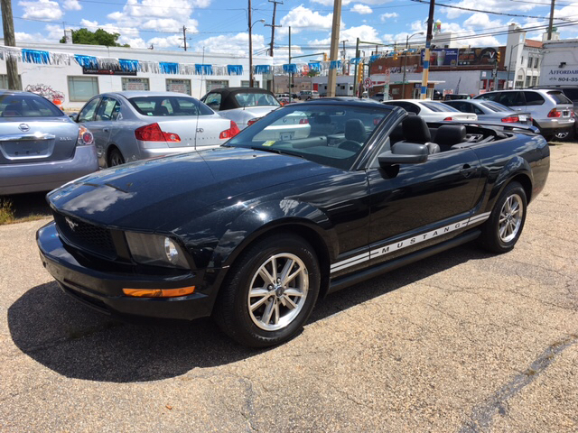 2005 Ford Mustang Deluxe 2dr Convertible - Richmond VA