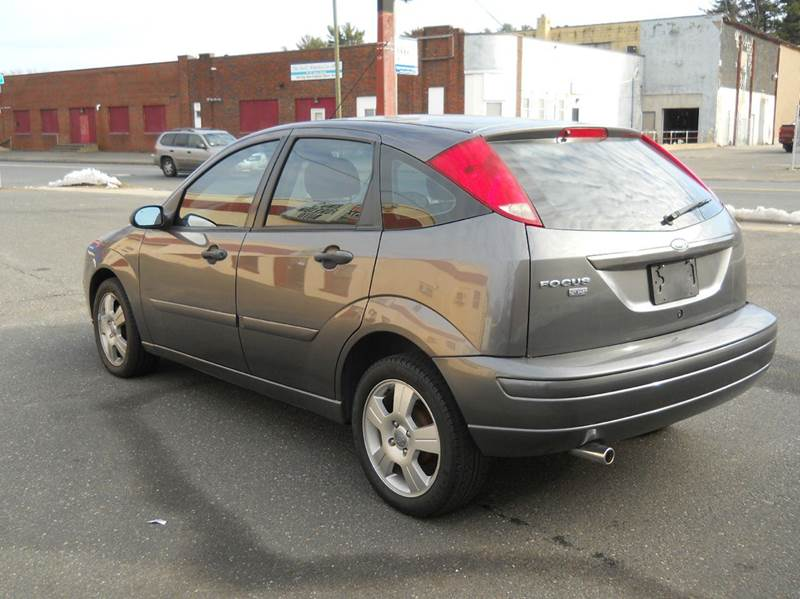 2007 ford focus zx5 ses 4dr hatchback in springfield ma. Black Bedroom Furniture Sets. Home Design Ideas
