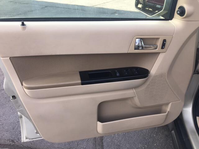 2010 Ford Escape AWD Limited 4dr SUV - Yukon OK