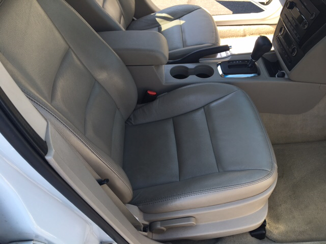2007 Ford Fusion V6 SEL 4dr Sedan - Yukon OK