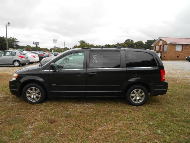 2008 chrysler town and country touring mini van passenger in zebulon bailey bunn cavalier auto sales. Black Bedroom Furniture Sets. Home Design Ideas