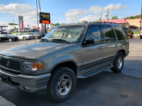 2000 Mercury Mountaineer for sale in Sterling, IL
