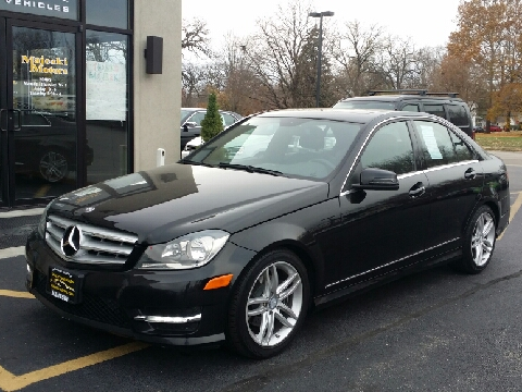 Mercedes benz for sale sterling il for Knauz mercedes benz