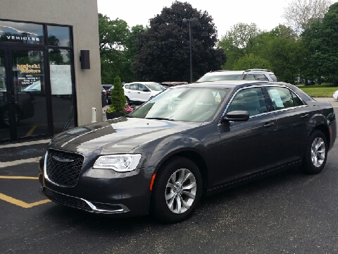 2015 Chrysler 300 for sale in Sterling, IL