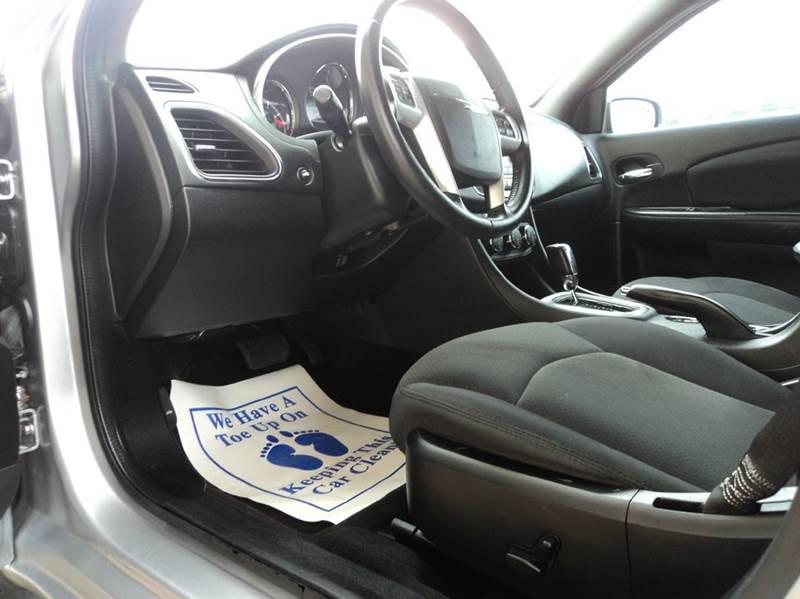 2013 Chrysler 200 Touring 4dr Sedan - Pensacola FL