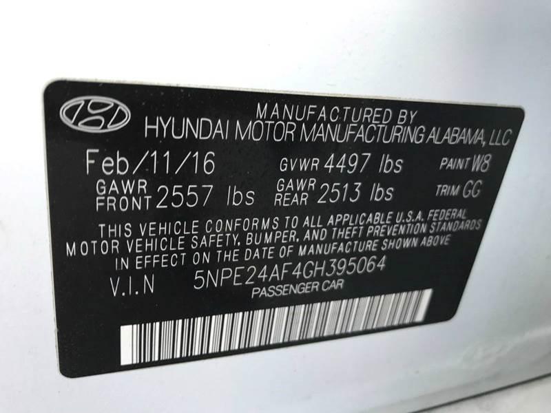 2016 Hyundai Sonata SE 4dr Sedan: 2016 Hyundai Sonata SE 4dr Sedan 29716 Miles  Sedan 2.4L I4 Automatic 6-Speed