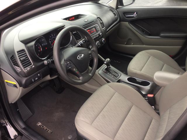 2015 Kia Forte LX 4dr Sedan 6A - Cape Girardeau MO