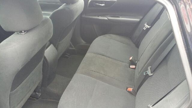 2015 Nissan Altima 2.5 S 4dr Sedan - Cape Girardeau MO