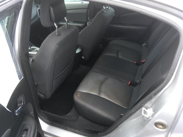 2013 Dodge Avenger SXT 4dr Sedan - Cape Girardeau MO