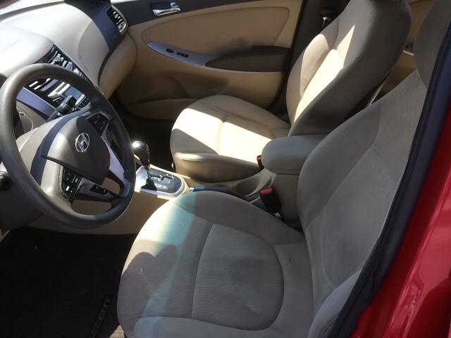 2013 Hyundai Accent GLS 4dr Sedan - Cape Girardeau MO
