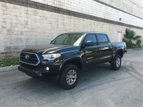 2017 Toyota Tacoma for sale in Pls. Call 305-220-0000, FL