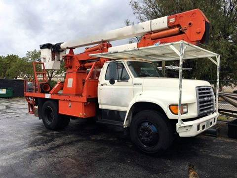 1997 Ford F-800 for sale in Pls. Call 305-220-0000, FL