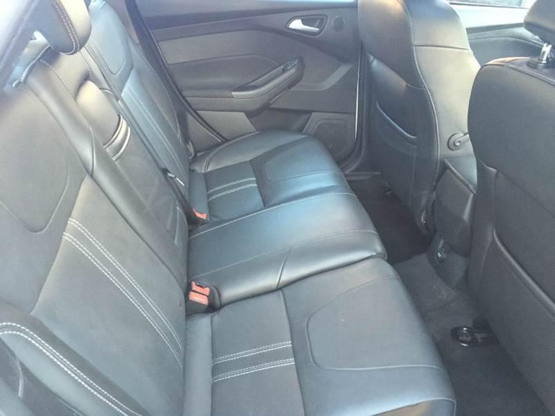 2013 Ford Focus Titanium 4dr Sedan - Cleveland OH