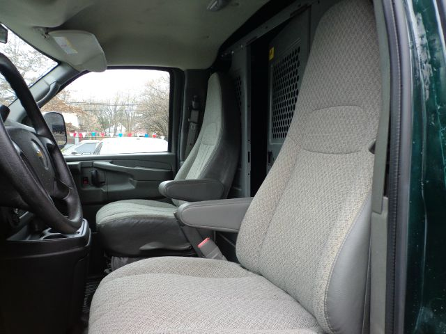 2011 Chevrolet Express 2500 3dr Van w/ 1WT - Cleveland OH