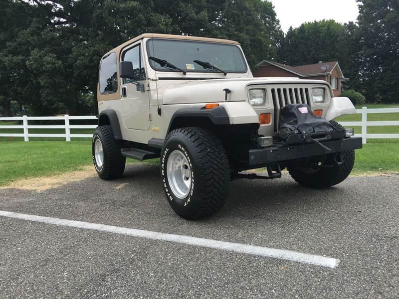 1995 jeep wrangler 2dr rio grande 4wd suv in lynchburg va. Black Bedroom Furniture Sets. Home Design Ideas