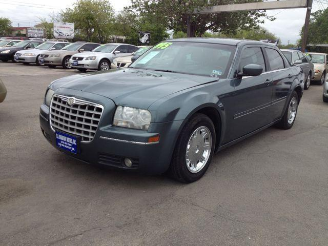 Used 2005 Chrysler 300 For Sale 3308 Sw Military Dr San