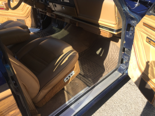 1987 Jeep Grand Wagoneer Base 4dr 4WD SUV - St Louis MO