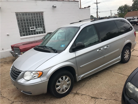 2006 Chrysler Town and Country for sale in St Louis, MO