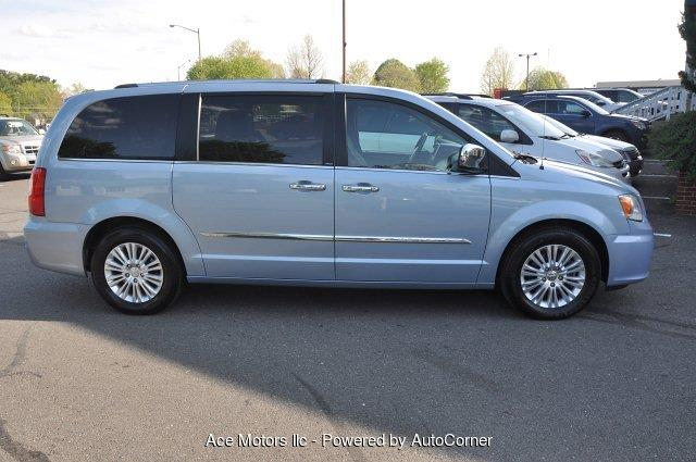 2013 Chrysler Town and Country Limited 4dr Mini-Van - Warrenton VA