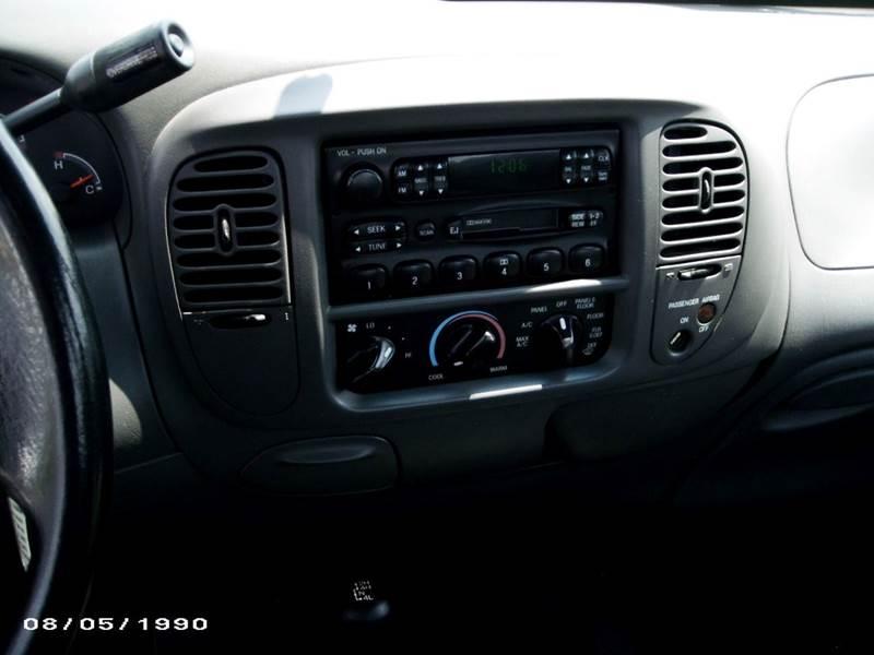 2002 Ford F-150 2dr Standard Cab XL 4WD Styleside SB - Jacksboro TN