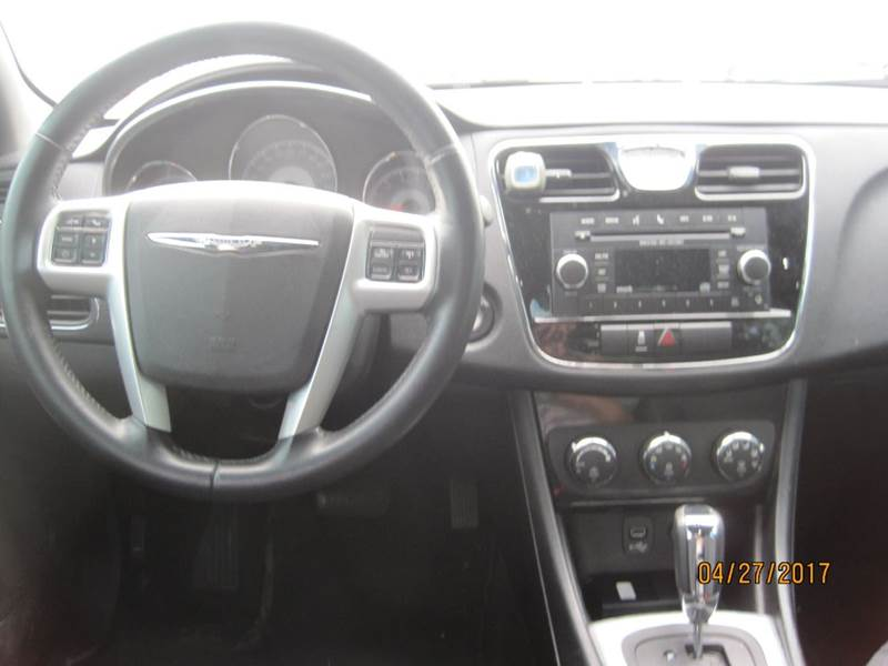 2012 Chrysler 200 Touring 4dr Sedan - Cape Girardeau MO
