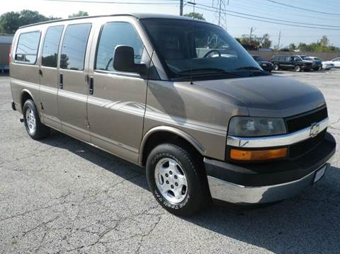 2004 Chevrolet Express Passenger for sale in Waukegan, IL