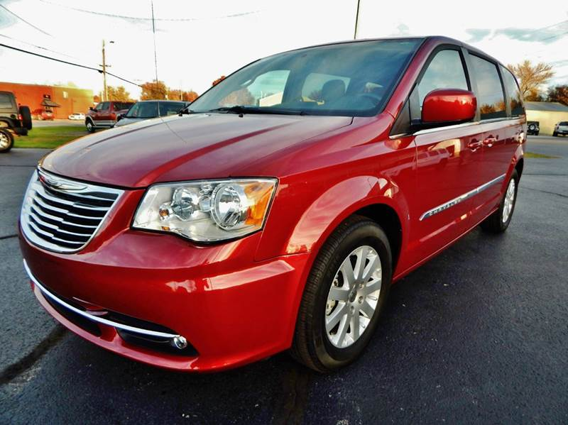 2016 chrysler town and country touring 4dr mini van in carthage mo premier auto sales. Black Bedroom Furniture Sets. Home Design Ideas