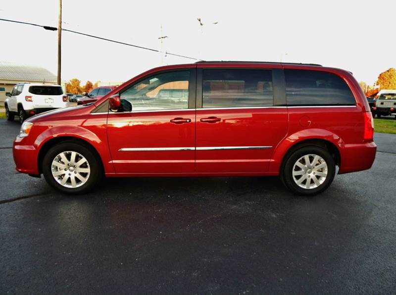 2016 chrysler town and country touring 4dr mini van in carthage mo. Cars Review. Best American Auto & Cars Review
