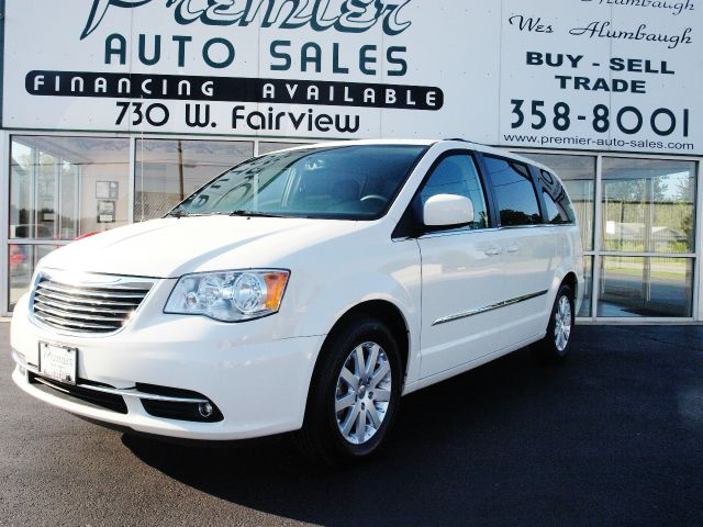 2013 Chrysler Town and Country for sale in CARTHAGE MO