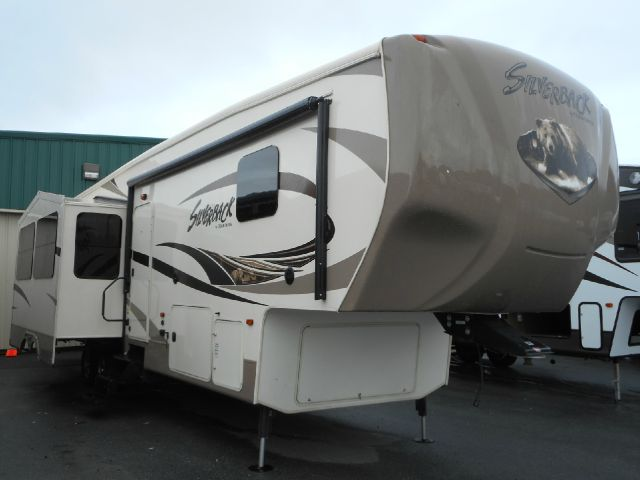 2014 Forest River Cedar Creek Silverback 37BH