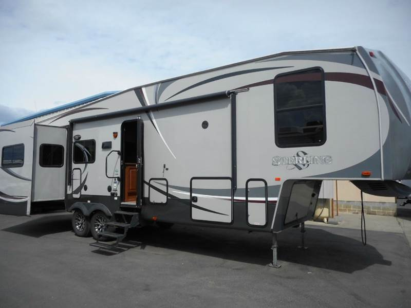 2012 Forest River Wildcat Sterling 32RE